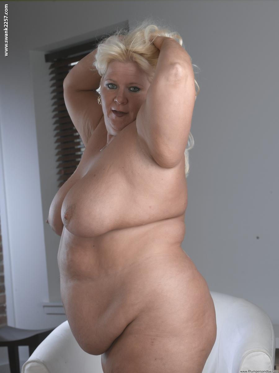 Шоу голых толстушек 12 фотография