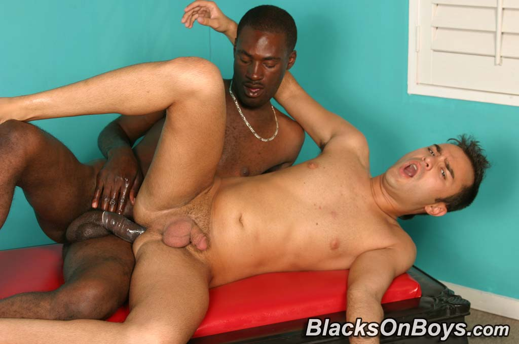 Interracial gay blowjobs buttfucking - N