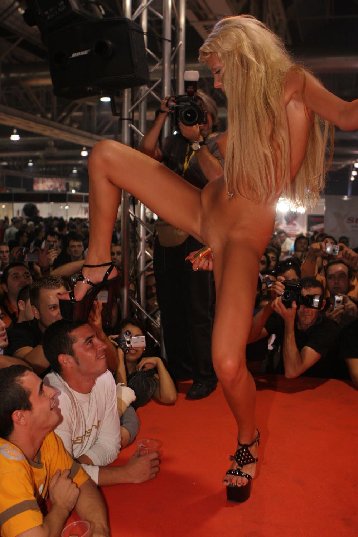 категории стриптиз прилюдно порно онлайн всегда успевали поработать