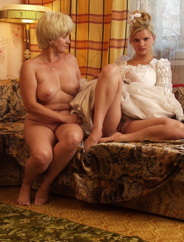 фото голые матери