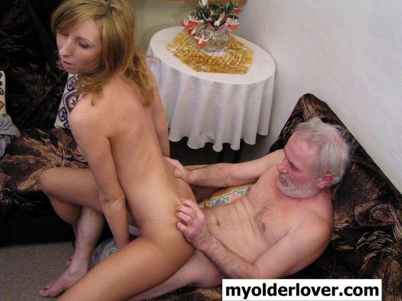 Секс старичков с внучками