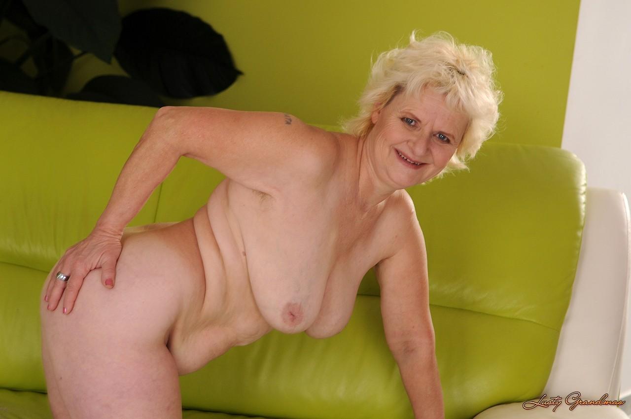 Целюлитная старушка порно 24 фотография