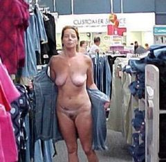 Shopping Nude - N