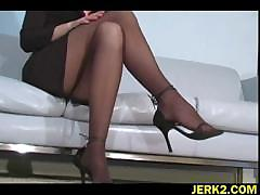 office-bitch-faith-leon-in-stockings