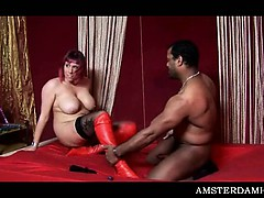 busty-amsterdam-hoe-showing-her-great-blowjob-skills