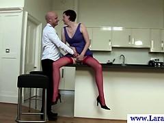 euro-mature-in-stockings-queening