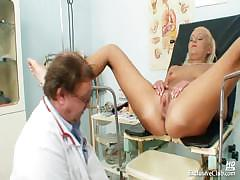 klara-big-tits-and-pussy-gyno-speculum-clinic-exam