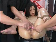 momos-squirting-pussy