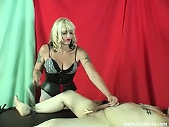 mistress-kelly-sadistic-cbt-and-cock-and-balls-punishments