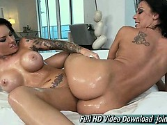 rachel-starr-and-christy-mack-teasing-us-with-their-sexy-bod