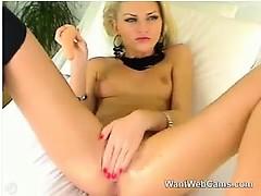 blonde-slut-masturbating