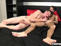 straight-amateur-hunk-giving-a-blowjob-for-some-cash