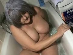 dirty-old-woman-goes-crazy-part6