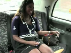 sex-loving-amateur-gets-hardcore-pounding-inside-the-taxi