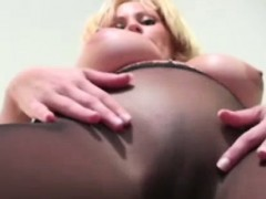pantyhose-lover-rubbing-her-clit