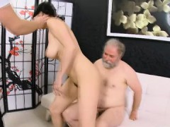 licking-young-pussy-is-this-old-guys-specialty-and-diana