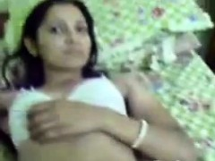 indian-schoolgirl-teasing-her-body