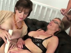 spex-mature-british-milf-gets-facial