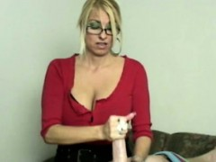 handjob-loving-bimbo-mature-tugging-lucky-dude