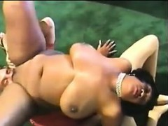 black-bbw-sitting-on-a-guys-face