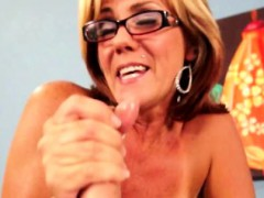 bigtit-cougar-in-spex-wanking-his-cock