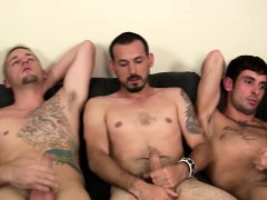 amateur-group-masturbates-together