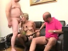 mature-woman-in-a-threesome