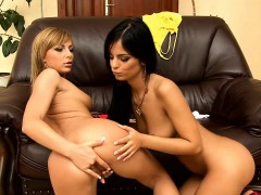 angelica-black-and-jennifer-love-undress-and-lick-each