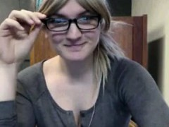 nerdy-blonde-babe-flashes-in-library