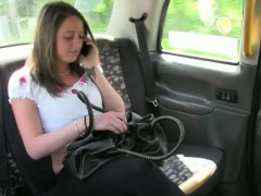 cute-amateur-customer-paid-her-taxi-fare-with-a-fuck