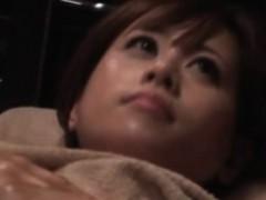 asian-teen-at-massage-studio-enjoying-time