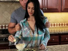 sexy-hot-babe-jasmine-caro-glamcore-scene-in-the-kitchen