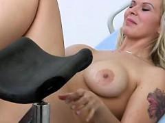sexy-girlfriend-first-cum-swallow