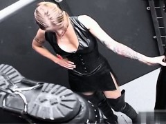 young-girl-first-blowjob