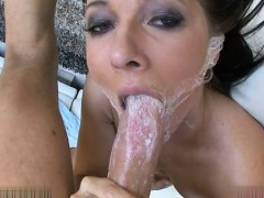 glamour-pussy-swallows-cum