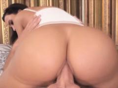 horny chick lisa ann loves a dick for her butt