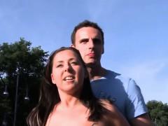 streetflirts-com-amateur-couple-outdoor-sex