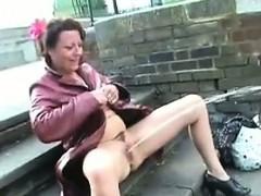 mature-british-woman-pissing-in-public