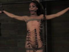 ebony-submissive-gets-zipper-punishment