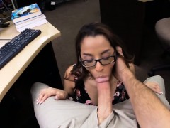 amateur-girl-gives-blowjob-for-cash