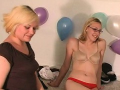 sex-starved-college-teens-playing-truth-or-dare