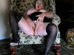 57-years-old-eva-masturbates-in-living-room