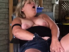 fat-mature-woman-playing-with-her-pussy