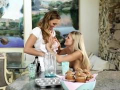 teen-stepdaughter-kissing