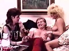 retro-ffm-threesome-party