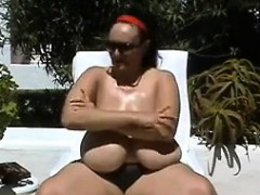 large-granny-with-saggy-tits-in-paradise