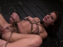 fetishnetwork-callie-gives-deepthroat-bj