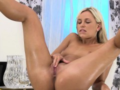 piss-in-mouth-for-playful-blonde-girl