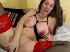 Busty Masturbate Squirting Webcam