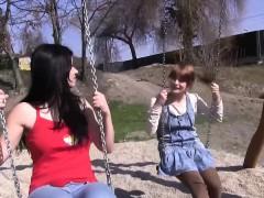 teen-lez-climax-in-park